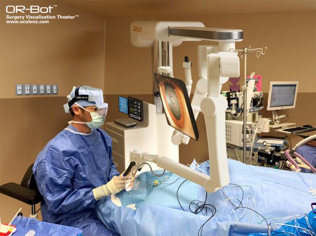 Surgeon using the ORlenz headset