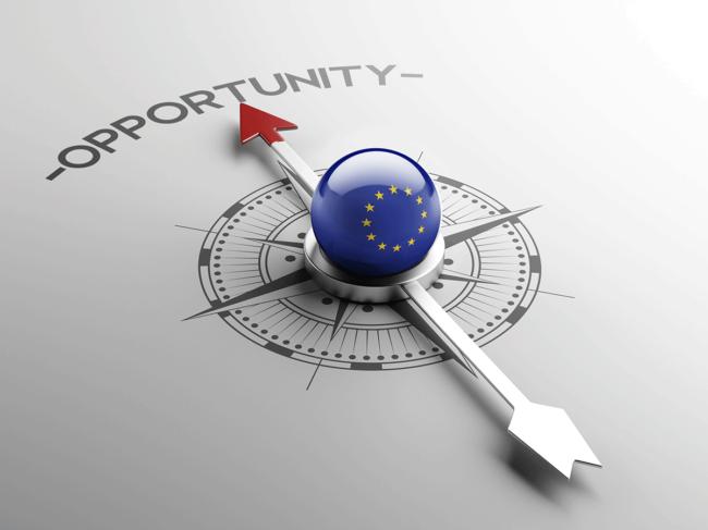 EU flag, arrow point to opportunity